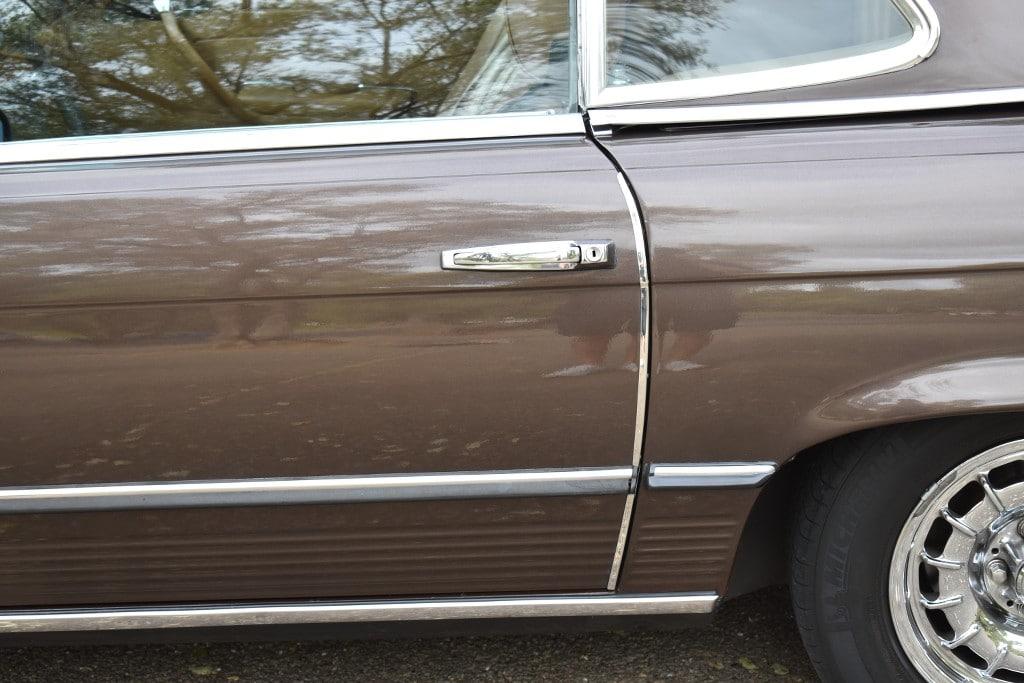 Bientôt disponible : Mercedes 380 SL 1981