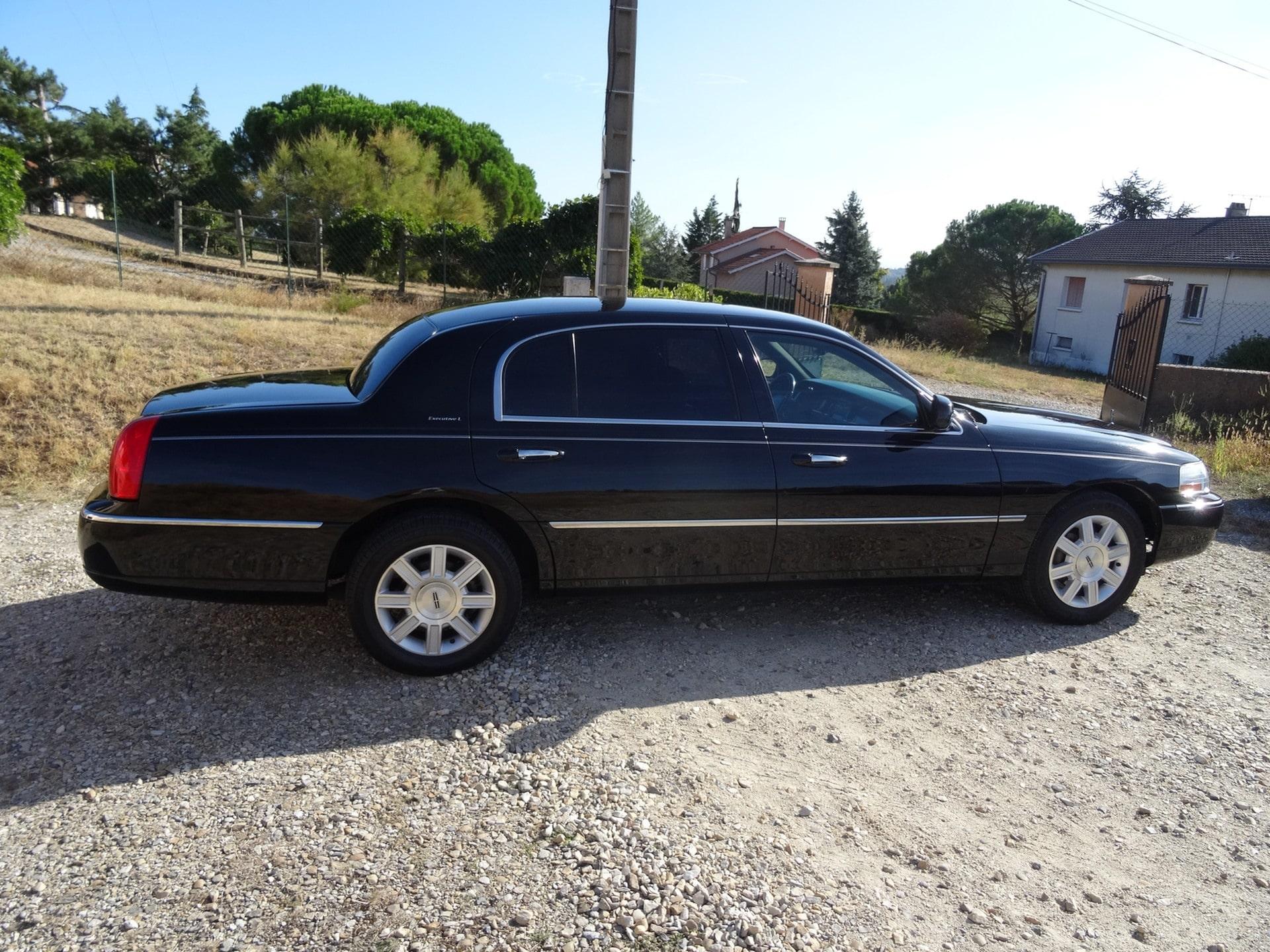 En vente : Lincoln Town Car Executive L 2008